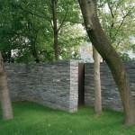 Garden wall today; Gartenmauer heute. Photograph Hiepler & Brunier